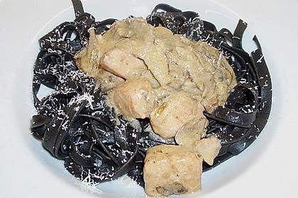 Lachs mit schwarzen Nudeln 3