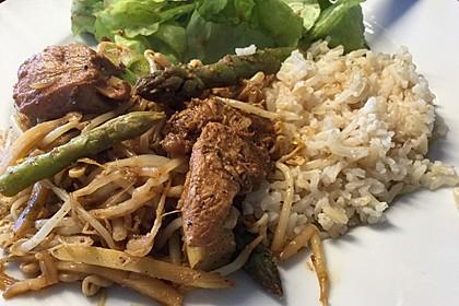 Duftender Hähnchen - Wok mit Thaispargel, Kokos und Limette 1