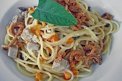 Spaghetti mit Entenbrust, Salbei und Paprika