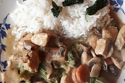 Thailändische Wokpfanne mit Kokosmilch 20