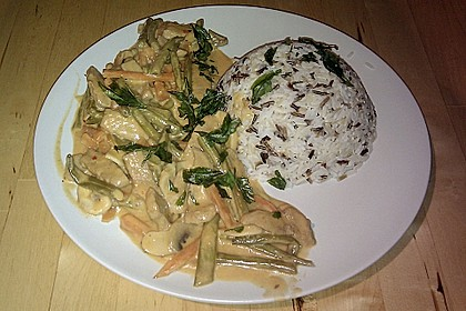 Thailändische Wokpfanne mit Kokosmilch 21