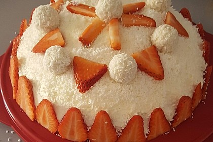 Erdbeer-Raffaello-Torte 107