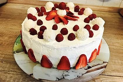 Erdbeer-Raffaello-Torte 3