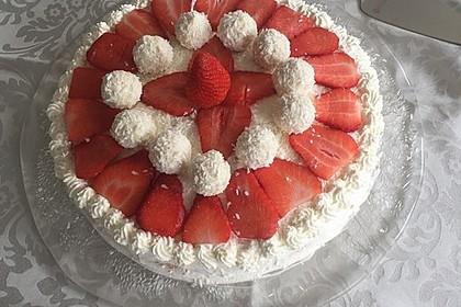 Erdbeer-Raffaello-Torte 158