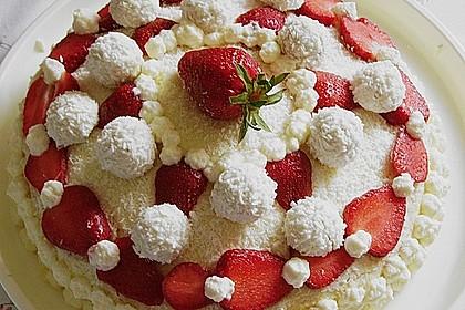 Erdbeer-Raffaello-Torte 180