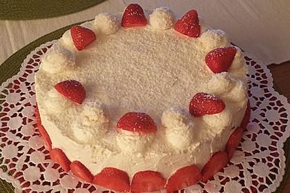 Erdbeer-Raffaello-Torte 161