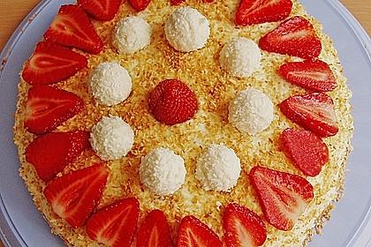 Erdbeer-Raffaello-Torte 79