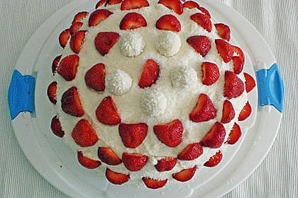 Erdbeer-Raffaello-Torte 144