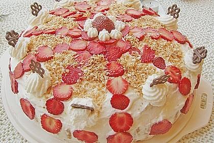 Erdbeer-Raffaello-Torte 140
