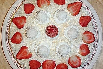 Erdbeer-Raffaello-Torte 185