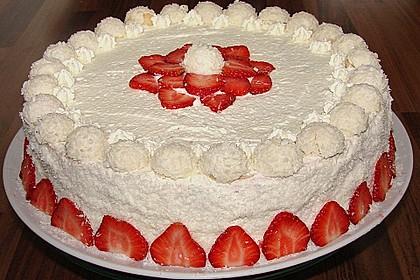 Erdbeer-Raffaello-Torte 20