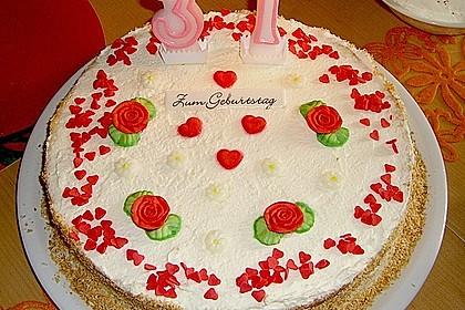 Erdbeer-Raffaello-Torte 119