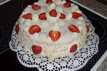 Erdbeer-Raffaello-Torte 190