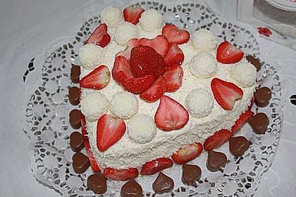 Erdbeer-Raffaello-Torte 28