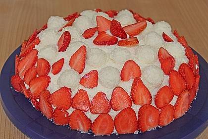 Erdbeer-Raffaello-Torte 88