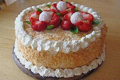 Erdbeer-Raffaello-Torte 16