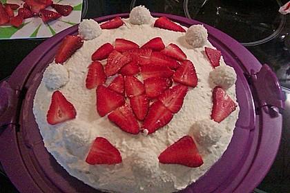 Erdbeer-Raffaello-Torte 239