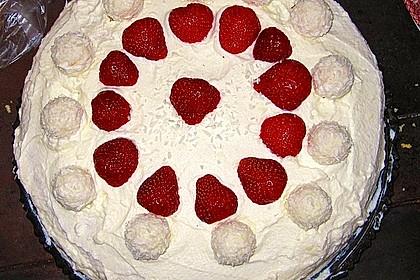 Erdbeer-Raffaello-Torte 183