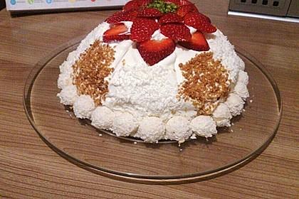 Erdbeer-Raffaello-Torte 233