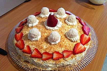 Erdbeer-Raffaello-Torte 230
