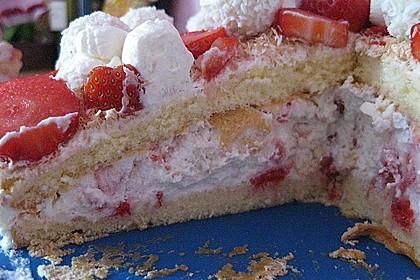 Erdbeer-Raffaello-Torte 217