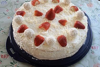 Erdbeer-Raffaello-Torte 236