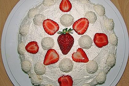 Erdbeer-Raffaello-Torte 90
