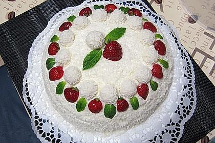 Erdbeer-Raffaello-Torte 8