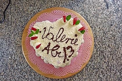 Erdbeer-Raffaello-Torte 145