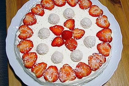 Erdbeer-Raffaello-Torte 237