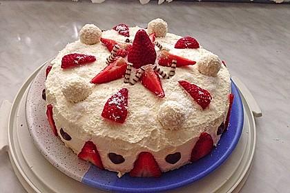 Erdbeer-Raffaello-Torte 17
