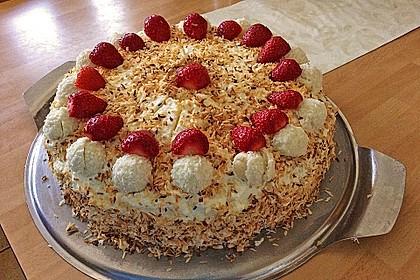 Erdbeer-Raffaello-Torte 93