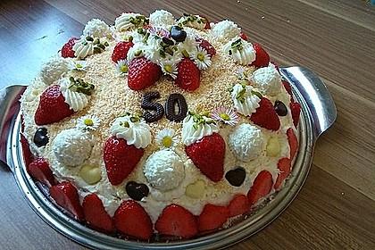 Erdbeer-Raffaello-Torte 73