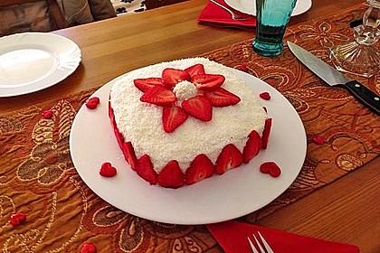 Erdbeer-Raffaello-Torte 6