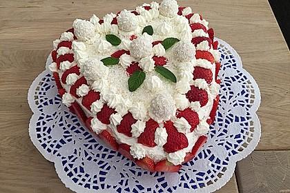 Erdbeer-Raffaello-Torte 5