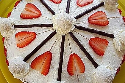 Erdbeer-Raffaello-Torte 153