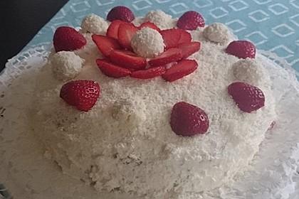 Erdbeer-Raffaello-Torte 54
