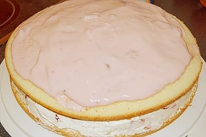 Erdbeer-Raffaello-Torte 250