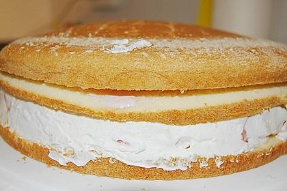 Erdbeer-Raffaello-Torte 253