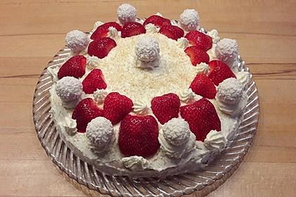 Erdbeer-Raffaello-Torte 52