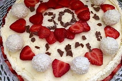 Erdbeer-Raffaello-Torte 163