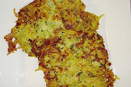 Zucchinipuffer (Bild)