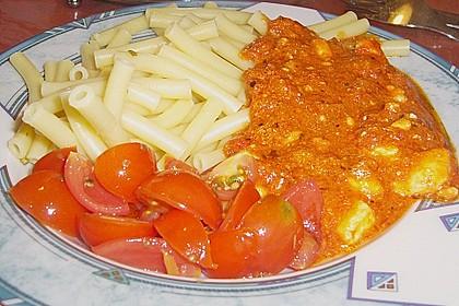 Spaghetti mit rotem Pesto und Schafskäse 7