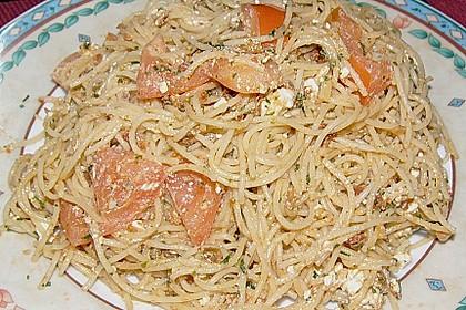 Spaghetti mit rotem Pesto und Schafskäse 5