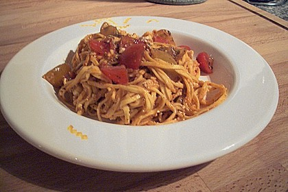 Spaghetti mit rotem Pesto und Schafskäse 6