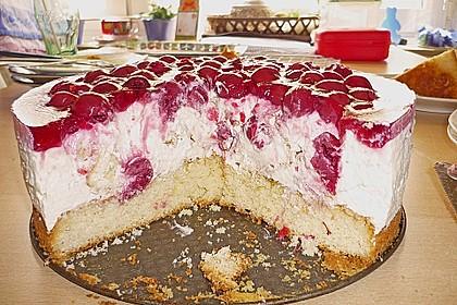 Windbeutel-Torte 140