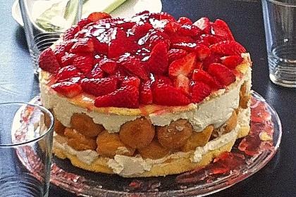 Windbeutel-Torte 143