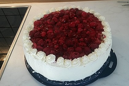 Windbeutel-Torte 85
