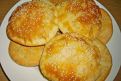 Pita - Brot mit Sesam 11