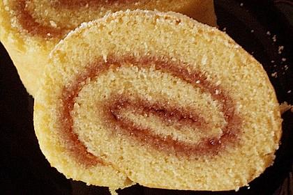 Blitzschnelle Gebäckrolle mit Marmelade 19